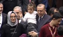 Tayyip Dede diye bağıran 3,5 yaşındaki Gülhanın Erdoğan sevgisi