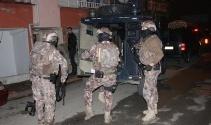 İstanbulda 37 kişinin yakalanması için birçok adrese eş zamanlı operasyon
