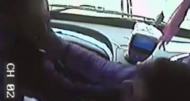 Bursada bu sefer yolcu dehşeti otobüs kamerasına yansıdı