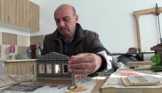 Maketlerde yöresinin kültürünü yaşatıyor