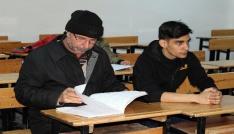 Yozgatta mülteciler Türkçe öğreniyor
