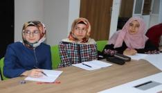 Erzincanda Gençler Osmanlıca Öğreniyor