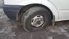 Sungurluda araç lastikleri kesildi