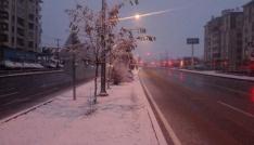 Sungurlu ilçe merkezine ilk kar yağdı