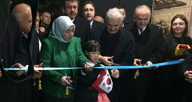 Başbakan Yıldırım Seul Büyükelçiliğini Ayla ile açtı