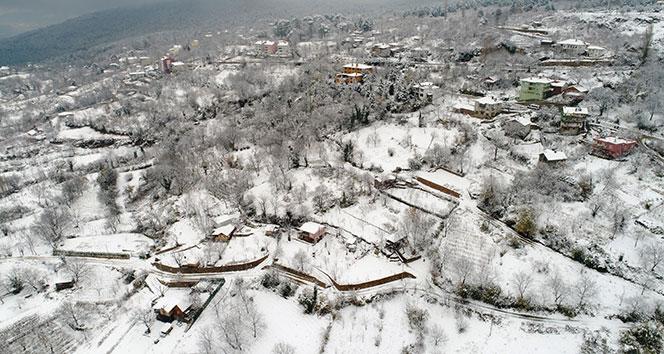 Beyaza bürünen Bursa'nın yüksek kesimleri havadan görüntülendi