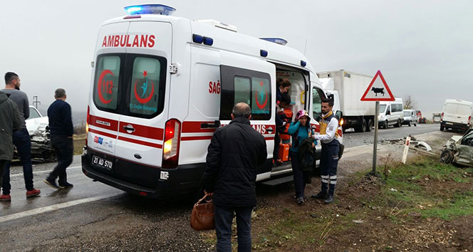 Diyarbakırda trafik kazası: 5 yaralı !