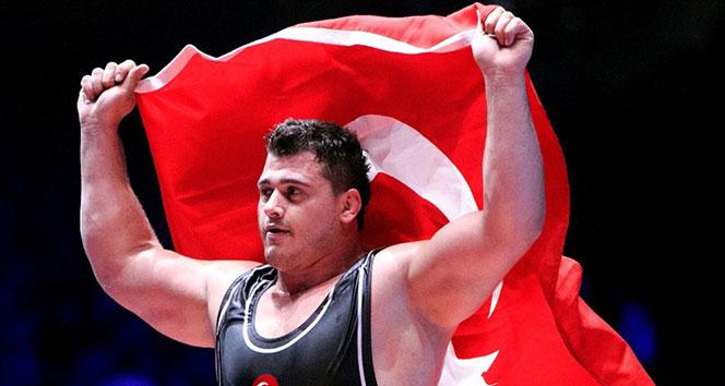 Türk güreşçiler zirvede