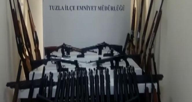 Tuzlada av bayi ve sahiplerine operasyon: 63 silah ele geçirildi
