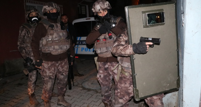 Adanada DEAŞ operasyonu: 12 Suriyeliye gözaltı