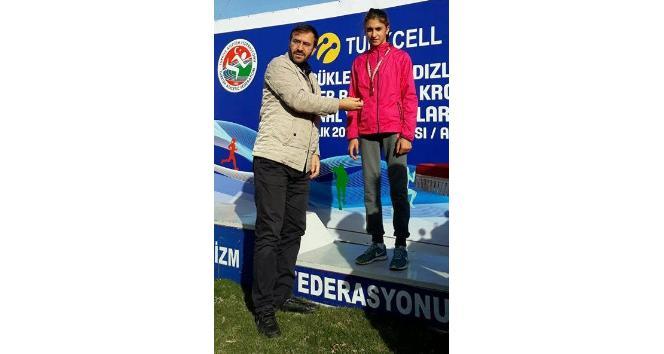 Vanlı atletizmciler Aydın'dan madalyalarla döndüler