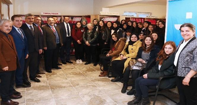 Başkan Ak'dan İŞ-KUR İş Kulübüne ziyaret