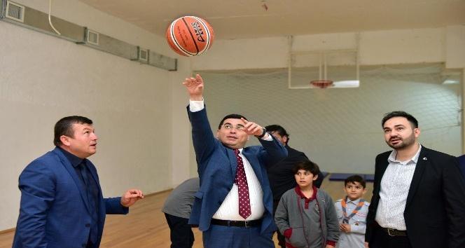 Tütüncü, öğrencilerle spor yaptı