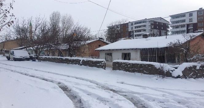 Bitlis'te 158 köy yolu ulaşıma kapandı
