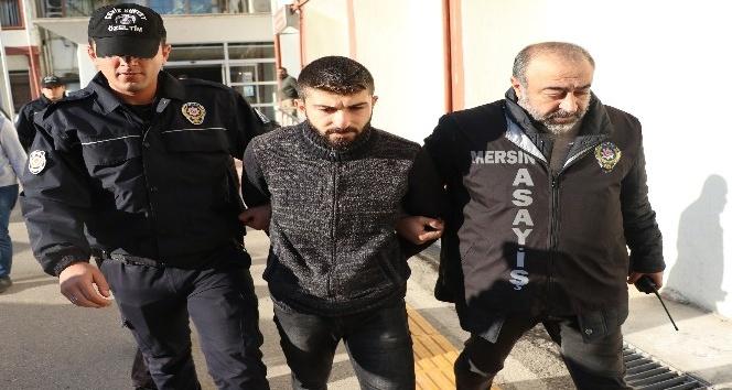 Üniversiteli Zelal'i minibüsten kaçıranlar adliyeye sevk edildi