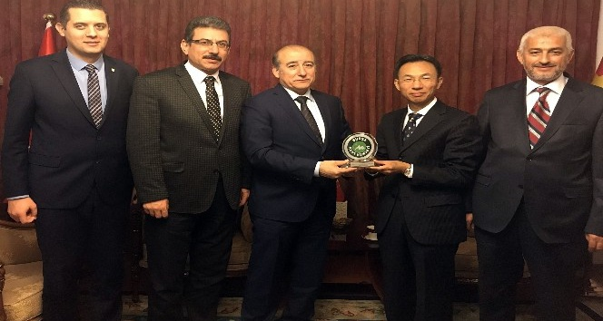 Bursa Kent Konseyi'nden Çin ve Endonezya büyükelçilerine ziyaret