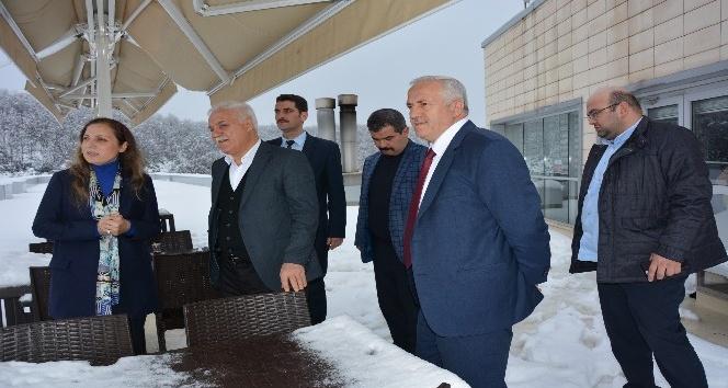 Nihat Hatipoğlu'ndan Rektör Çakar'a ziyaret