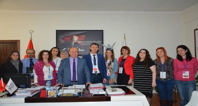 Başkan Özakcan'a 'Farklıların Gökkuşağı' proje ekibinden ziyaret
