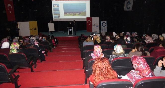 Edremit'te 'Anne ve Çocuk Sağlığı' semineri