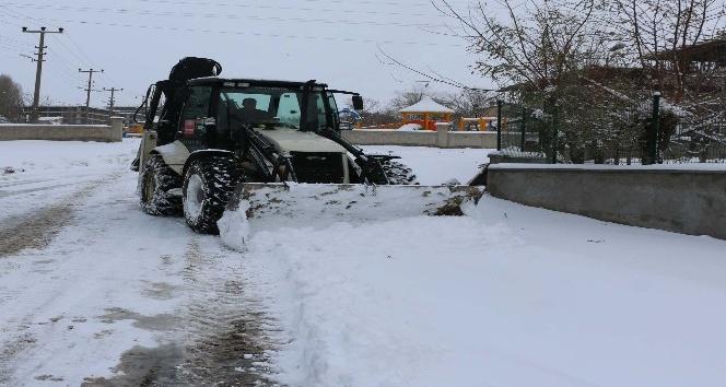 Bitlis'te karla mücadele çalışması