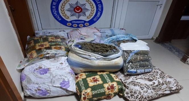 Şanlıurfa'da 262 bin paket kaçak sigara ele geçirildi