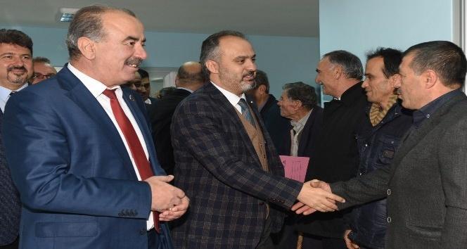 Bursa'ya hizmetin siyaseti yok