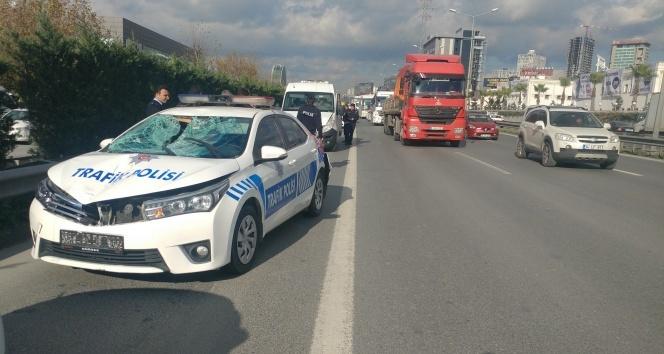 İki polis aracının karıştığı kazada bir Suriye vatandaşı yaralandı