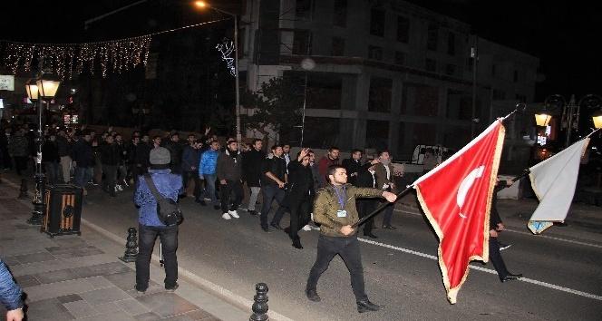 Üniversite öğrencileri Kudüs için yürüdü