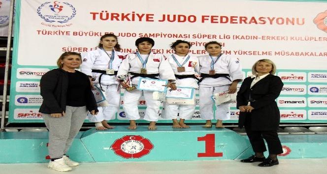 Türkiye Büyükler Ferdi Judo Şampiyonası Antalya'da başladı