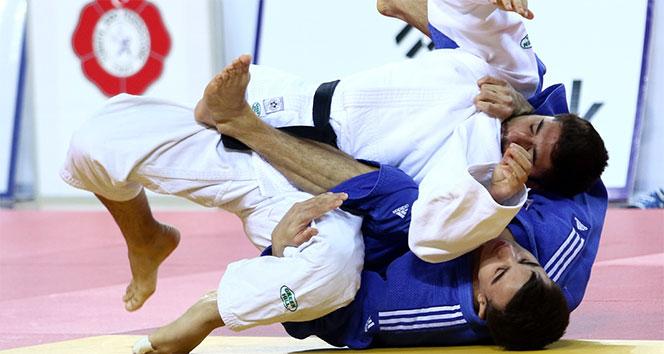 Türkiye Büyükler Ferdi Judo Şampiyonası Antalyada başladı