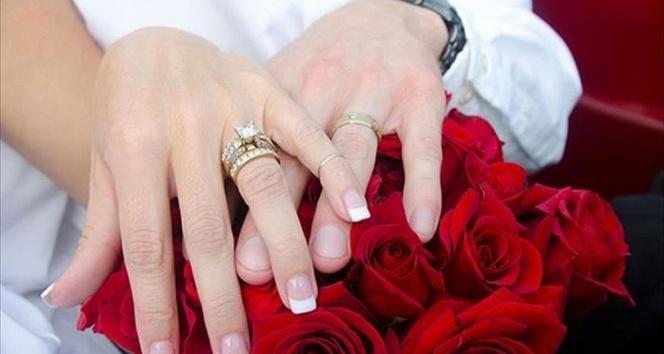 Yargıtay: 'Nişanlıyken çalışan kadının düğün sonrası çalışmaması kusur sayılamaz'