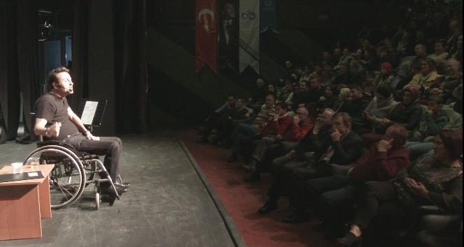 Sakata Geldik Tiyatro Oyunu Çorlu'da sahne aldı