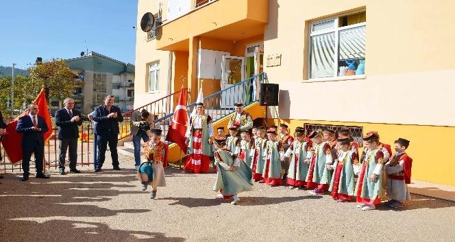 TİKA Karadağ'da otizmli çocukları unutmadı