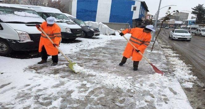 Tutakta karla mücadele çalışmaları