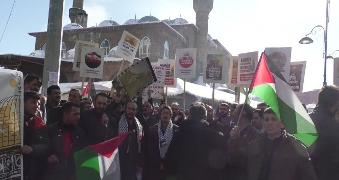 Ağrıda Cuma Namazı çıkışı Kudüs protestosu