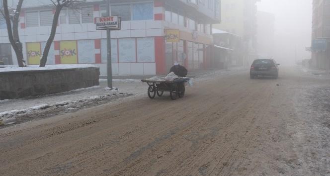 Ağrıda soğuk hava ve sis etkili oluyor