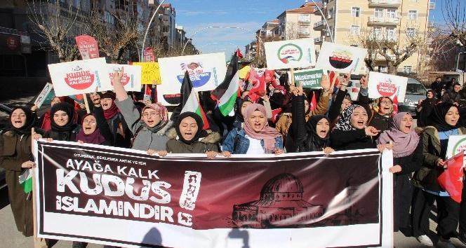Karamanda Kudüs için protesto yürüyüşü düzenlendi