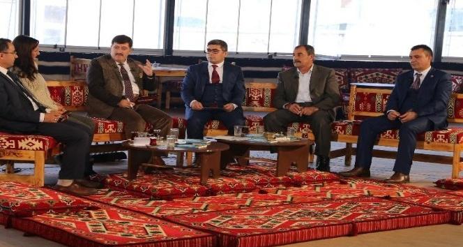 Varto Kaymakamı Çetin projelerini anlattı