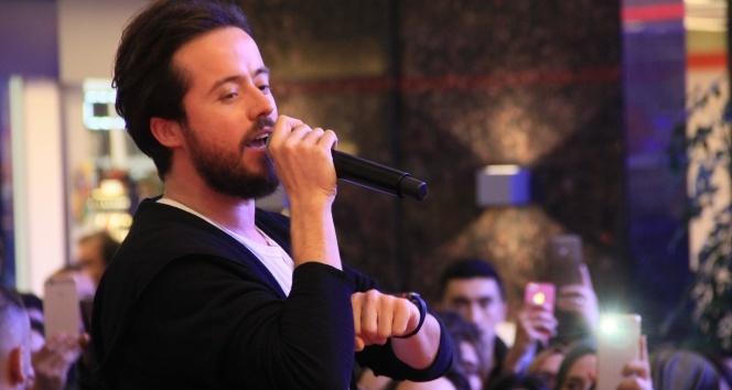 Ünlü şarkıcı Aydın Kurtoğlu Samsunlularla buluştu