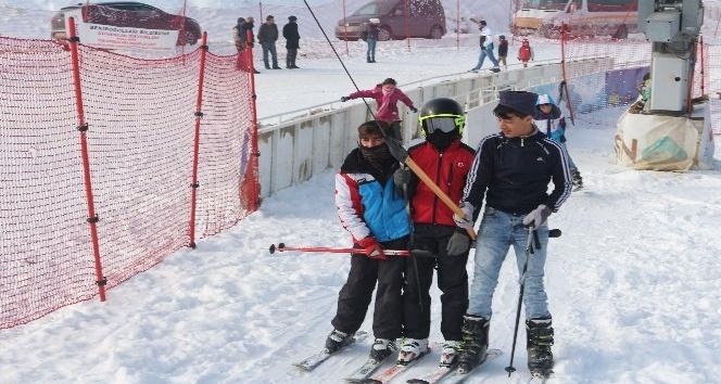 Ağrıda kayak sezonu başladı