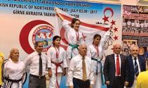 Yakın Doğu Koleji öğrencisi KKTC'ye Tekvando Avrupa şampiyonluğu getirdi