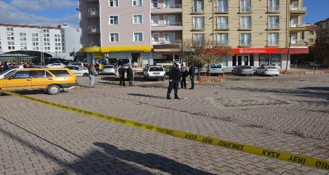 Sokak ortasında güpegündüz çatışma: 5 yaralı
