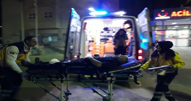 Kontrolsüzce yola çıkan otomobil sürücüsü kazaya sebep oldu: 1 yaralı