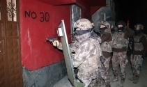 Adanada torbacı operasyonu: 1i kadın 13 gözaltı