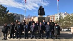 Asimder ve Azerbaycan heyeti Aliyevi andı