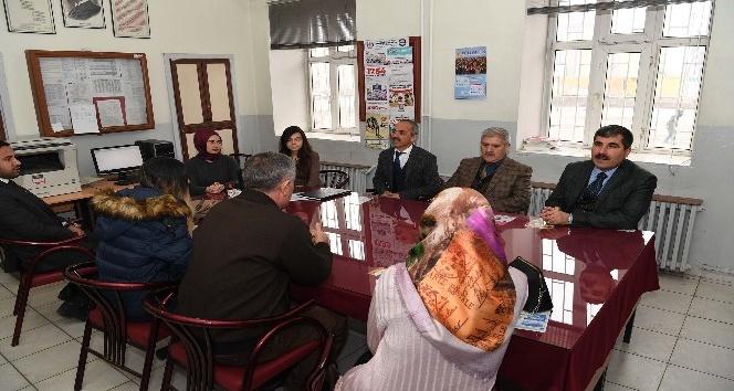 Başkan Asyadan Atatürk İlkokuluna ziyaret