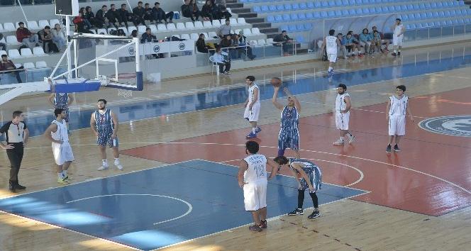 Karamanda üniversitelerarası basketbol turnuvası başladı