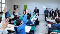 Başkan Karaosmanoğlu, okul ziyaretleri devam ediyor