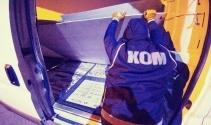 Durdurulan tır ile minibüste 55 bin paket kaçak sigara ele geçirildi