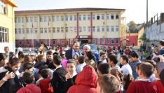 Eğitimin kenti Başiskelenin yeni okulları yükseliyor